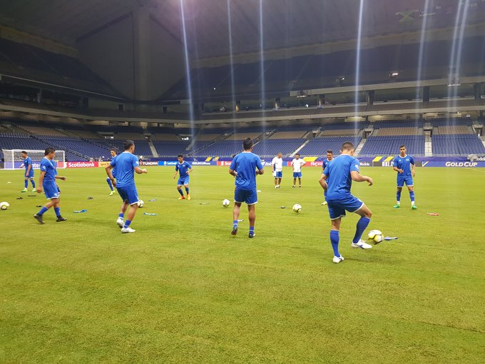 Copa Oro 2017: El Salvador vs Jamaica. Preparacion del juego. DEzyvq8UwAAEy_q