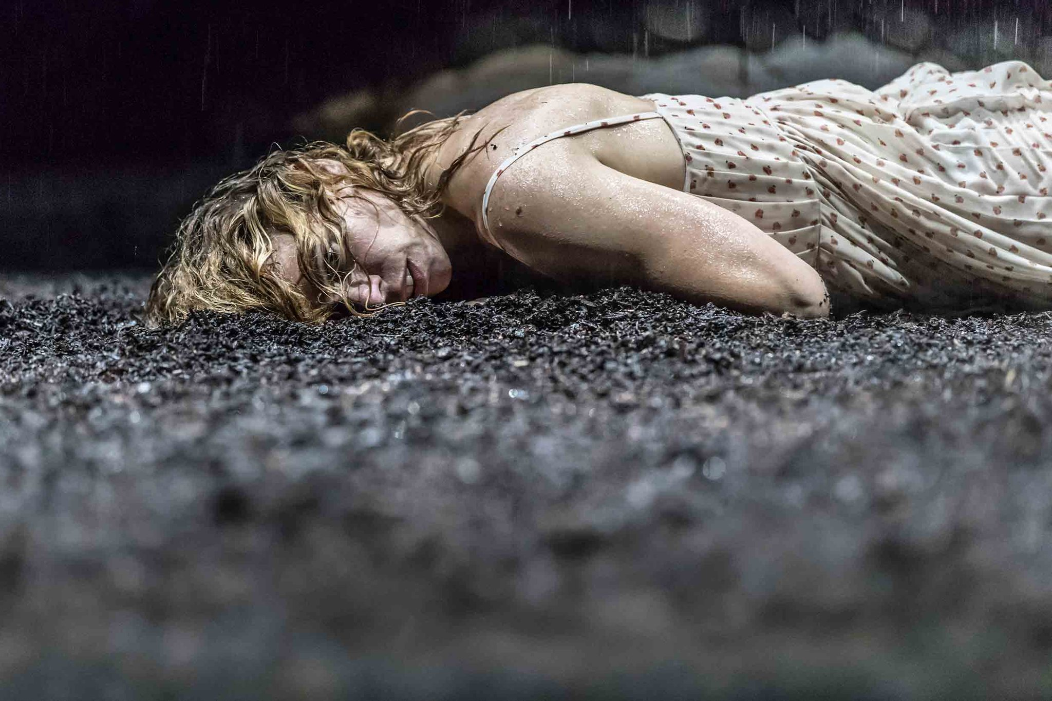 Feel impossibly lucky to have nabbed a #Yerma ticket last night. A show to bring you to your knees @youngvictheatre. @sophiemoniram you rock https://t.co/7ZxIdKfZte