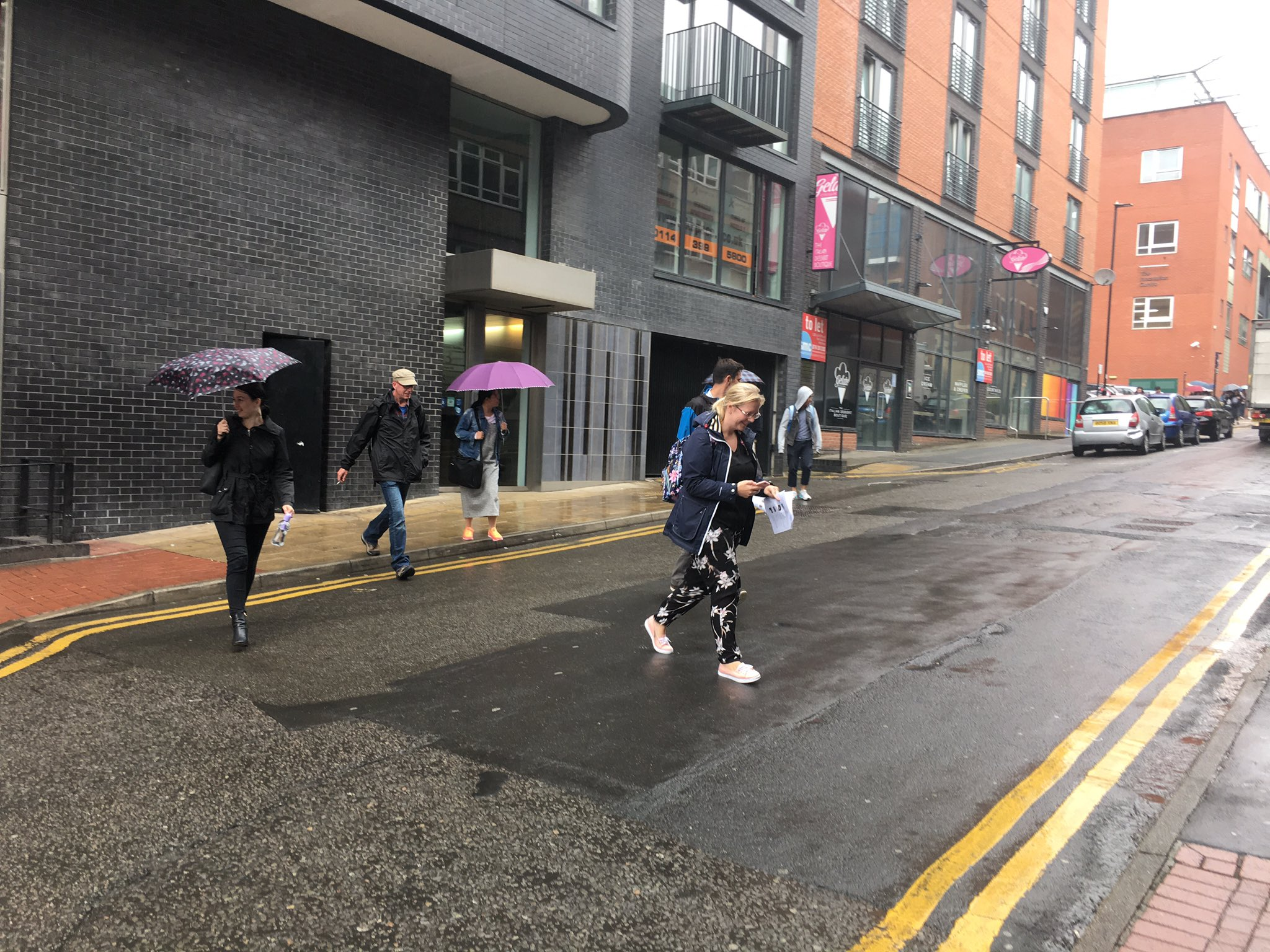 A1 we're off in the rain #TwalkBoundaries https://t.co/izKHGRX5kk