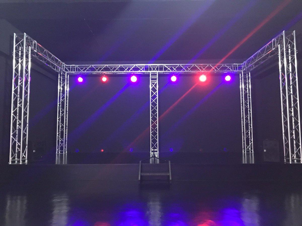 "AIBE Twitter: スタジオアローズ On Twitter: ""【ブース紹介】黒ステージ、男の子部屋、白ステージ、最後は隣接する建物"