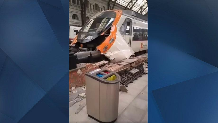 VIDÉO - Accident de train dans une gare de Barcelone, au moins 54 blessés dont un Français https://t.co/Q0En1byGwf