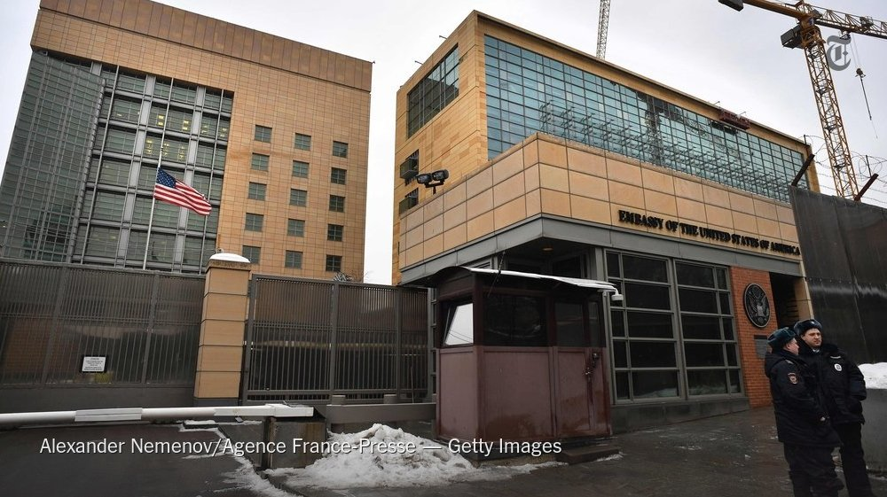 Russia seized two American diplomatic properties and ordered the United States Embassy in Moscow to reduce its staff https://t.co/xQ6MOxJQKS