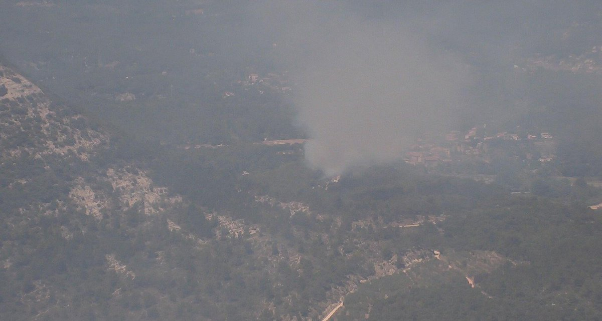 28/07 12h50 #Var #Incendie Départ de #Feu commune de #Ponteves. Merci d'éviter le secteur et de faciliter le passage des secours.