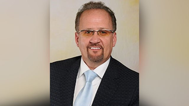 Prosecutor: Man shot, killed doctor for refusing to prescribe wife opioids https://t.co/0V4NjL64Hv