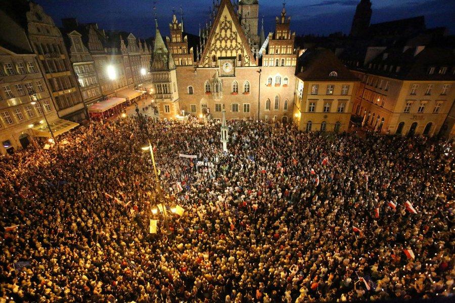 #MonitorsView: Poland's challenge to EU values https://t.co/BocZoYEcaf