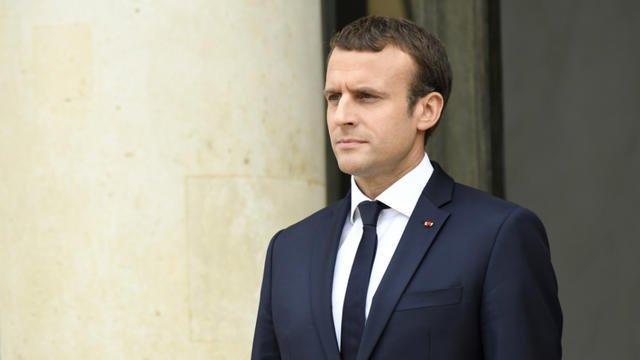 🇫🇷 Emmanuel Macron annonce qu'il ne veut plus un migrant dans la rue et veut des « solutions d'hébergement ». https://t.co/4DyNuhonqH