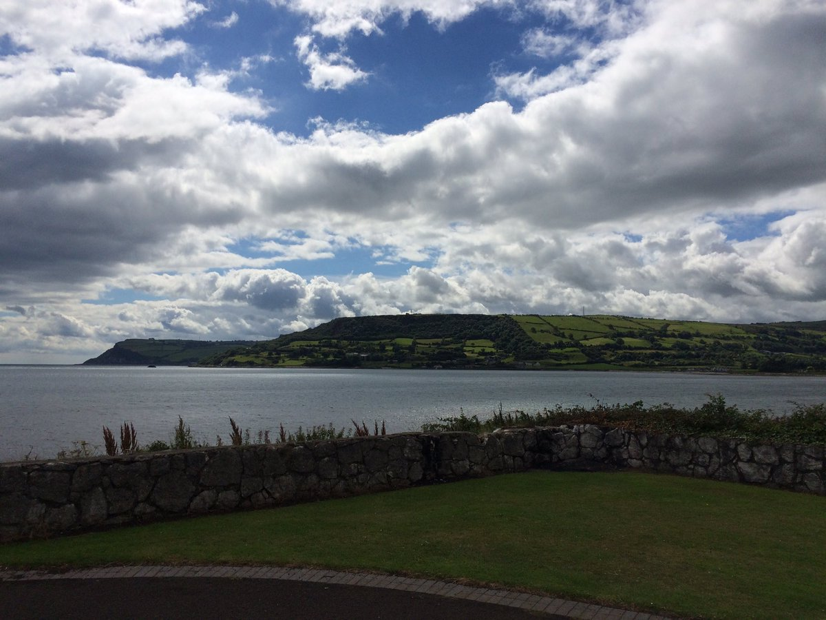 The green glens of Antrim are calling to @ItsMeHugoD live from #Carnlough at 1.30