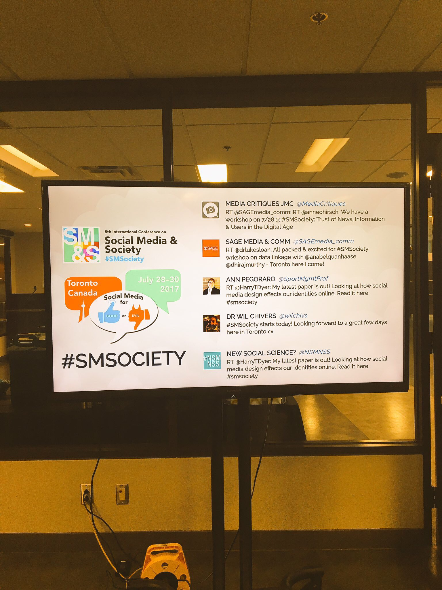 Tweeting about #SMSociety attendees tweeting....How meta ☺️ Day 1 begins now!!! Looking forward to saying hi to everyone! #toronto https://t.co/8KgRATa1Zu