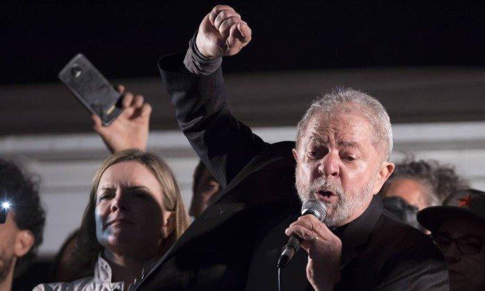 Ex-presidente @LulapeloBrasil anuncia caravana pelo Nordeste para conseguir 'mais acesso ao povo'. https://t.co/Q35fX33UNw
