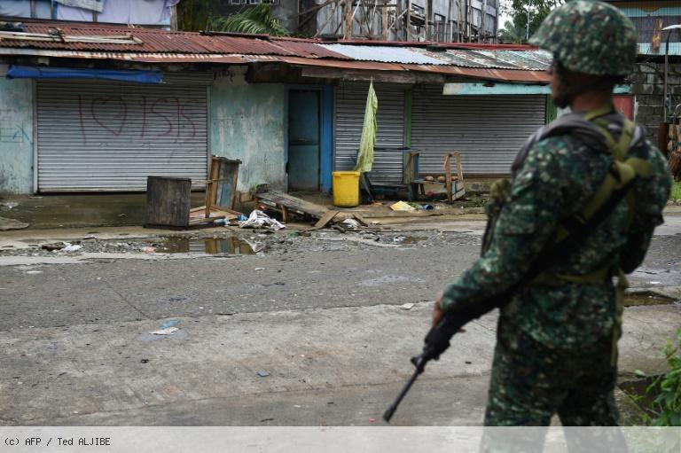 Philippines: près de 60 renforts de l'EI arrêtés en zone de conflit https://t.co/SgT9qXpKrz