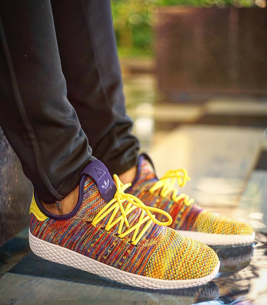 quite nice 94bbc 5b655 Pharrell x Adidas Originals Tennis HU Multi-Color! Review soon 🌈  🔥🔥🔥🔥🔥🔥🔥 adidas pharrell pharrellwilliams… httpst.coQuDWUoT6kl