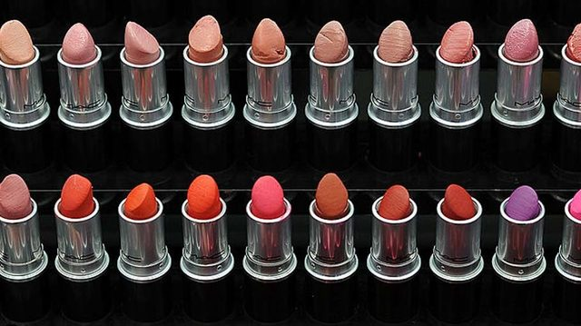 #MAC to give out free #lipstick for National Lipstick Day https://t.co/BR0nNDOUvG #wftv