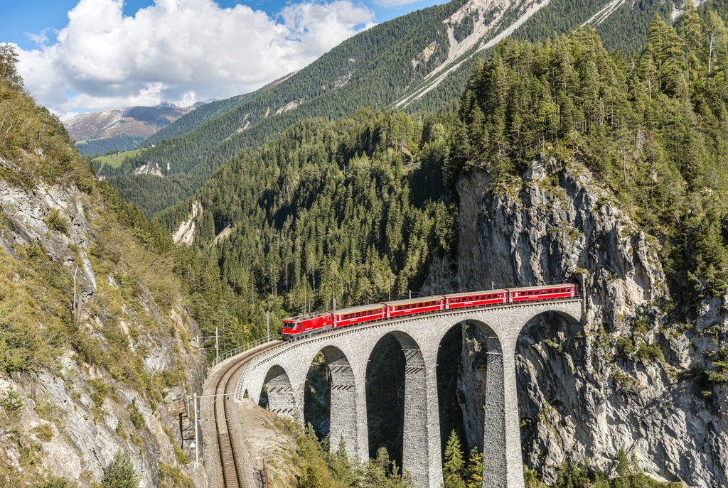 This new train route is the best way to see Switzerland and Italy in one trip https://t.co/F0uF4q5R2d