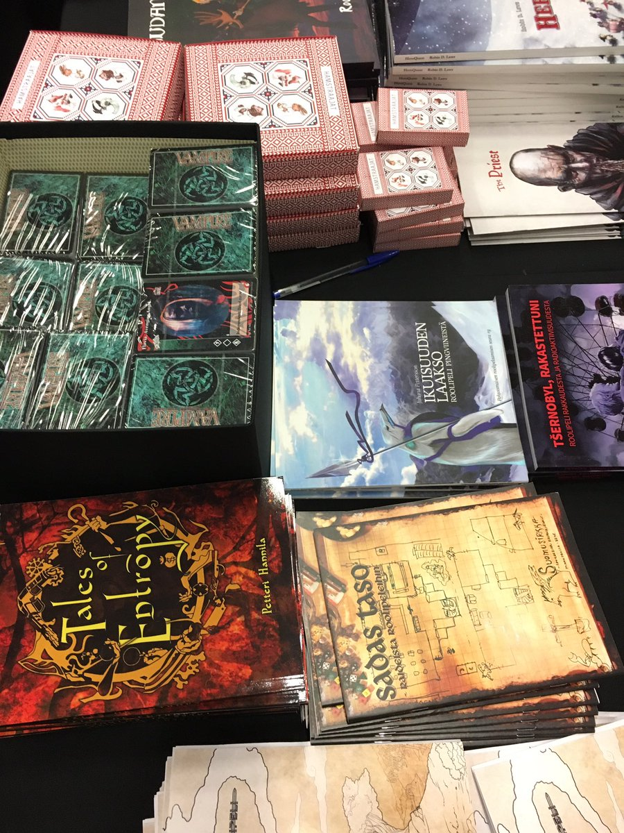A box of the V:TES Berlin Anthology Set on sale at the small publisher's table at #Ropecon