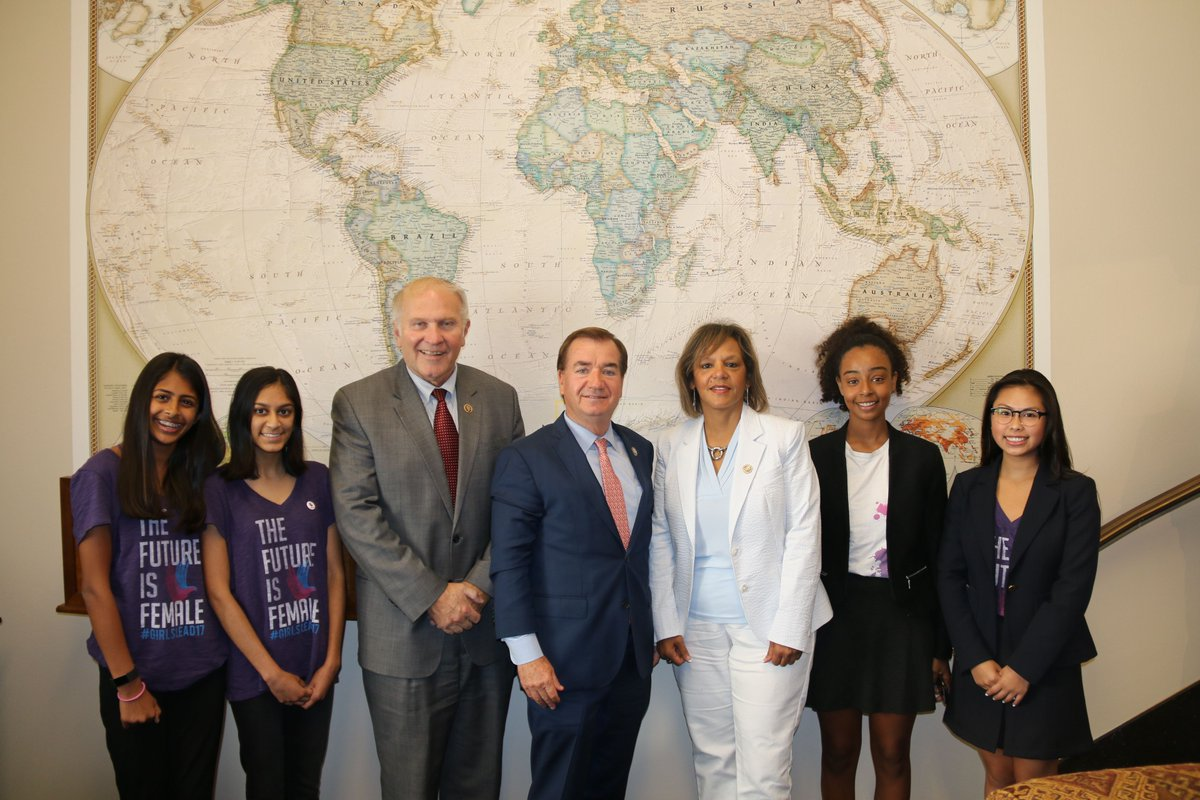 Thank you to the women of @GirlUp for joining @RepRobinKelly, @RepEdRoyce and me during yesterday's @HouseForeign markup. #Support2408