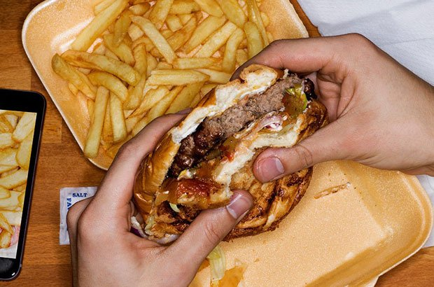 essay about fast food chain 3 it tastes great one thing that fast food chains have gotten down to an art is that of flavor fried and fatty foods satisfy cravings for many people.