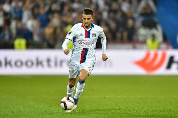 [#Transfert] BREAKING ❗️  Selon @lequipe, l'OL et le Zenit devraient très vite boucler le transfert de Mammana pour 16M€.