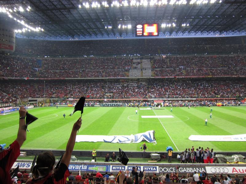 Mais de 50 mil ingressos já foram vendidos para Milan x Craiova, quinta que vem (3), no San Siro.