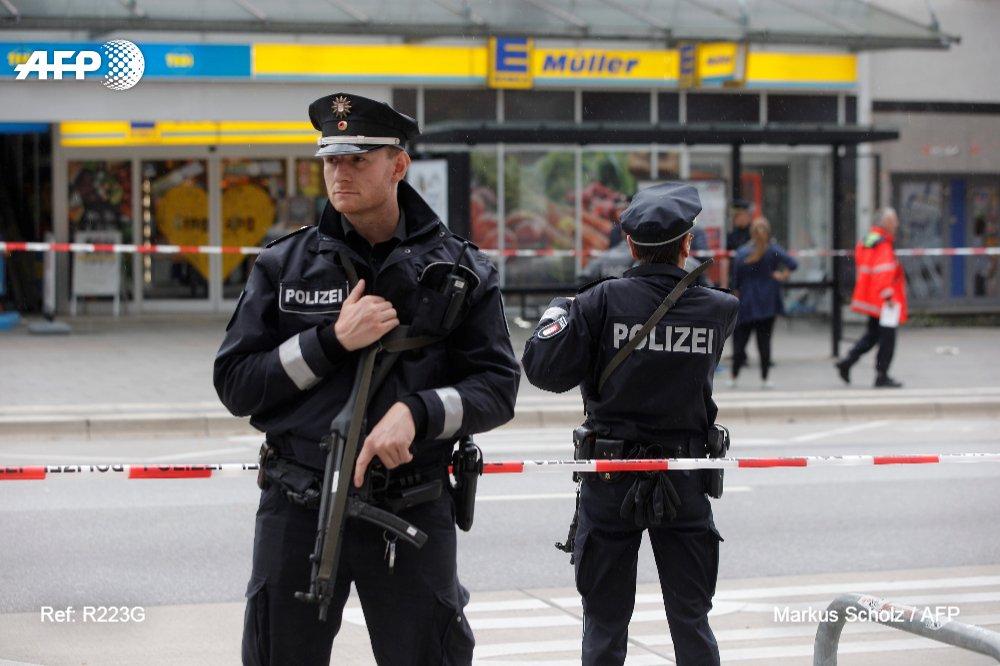 Attaque au couteau à Hambourg en Allemagne: un mort et quatre blessés https://t.co/rrcznUKMdr #AFP