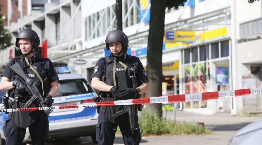 Allemagne. Attaque au couteau dans un supermarché de Hambourg https://t.co/cEt7PFby5V