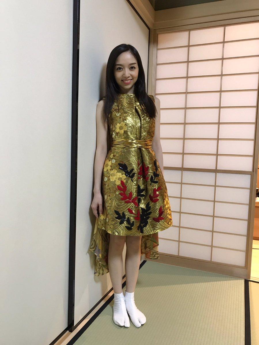 金色ドレス宮本笑里