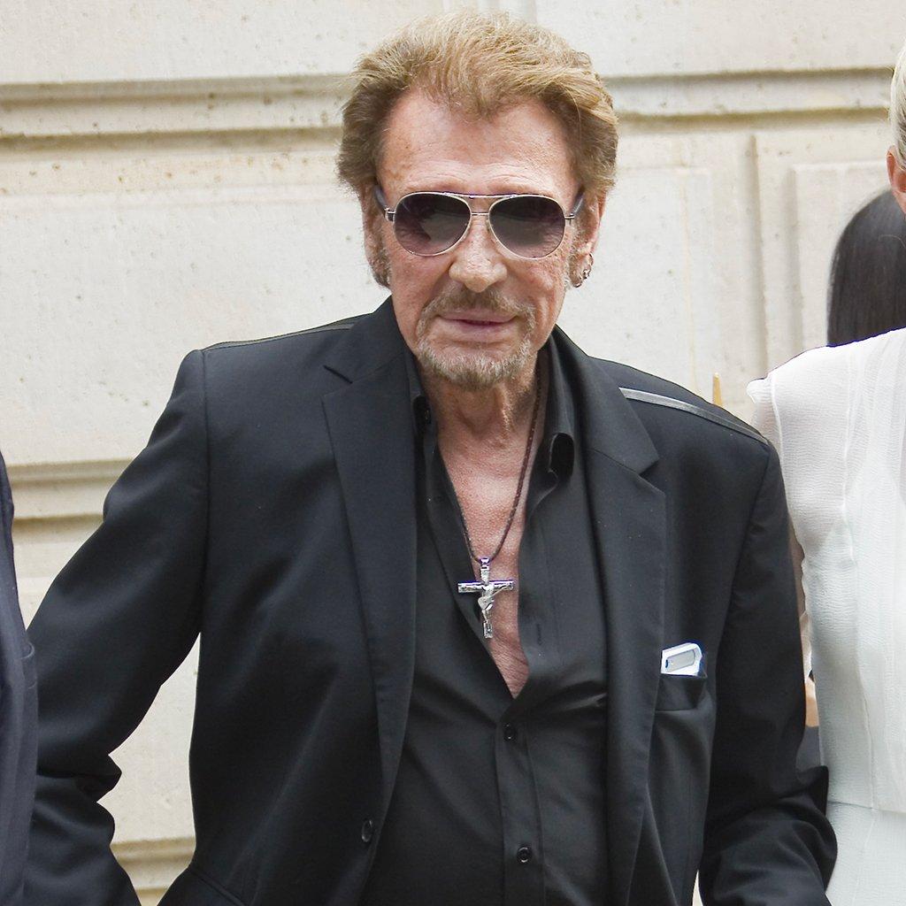 #People Johnny Hallyday hospitalisé à Paris https://t.co/xRaN324INa