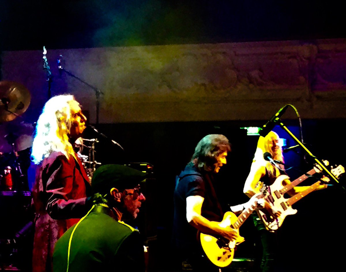 Steve hackett on twitter incredible vibe last night at the gig in steve hackett on twitter incredible vibe last night at the gig in auckland brilliant crowd thank you new zealand great to meet you all m4hsunfo