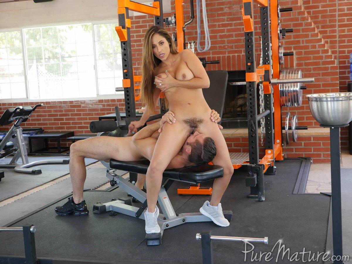 порно наездницы в спортзале - 5