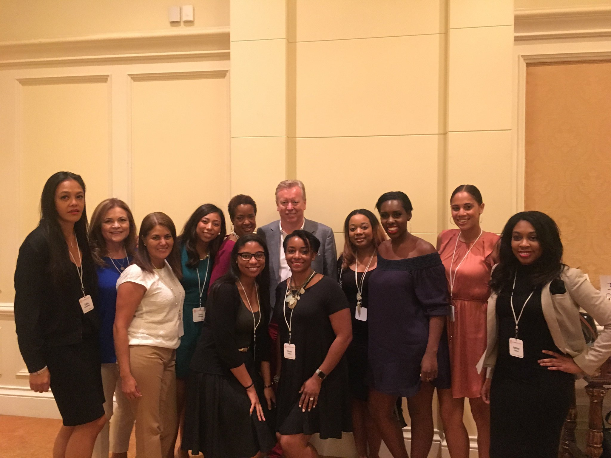 Our CEO John Saunders and the rest of our FH crew wrapping up a successful and empowering #ColorComm! #C2Miami https://t.co/HtOVnAGLcn