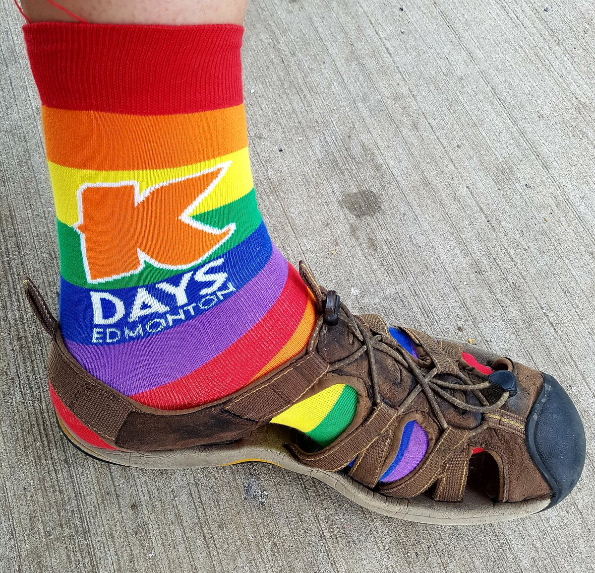 I got mine......was surprised they fit a size 16....but they did!  ;) .@KristopherWells @marnipanas @YEGPride #Pride #KDaysPride #YegPride <br>http://pic.twitter.com/QTLYuTHt67