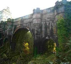 Este puente esta localizado en Escocia. Lo extraño es que cada perro que trata de cruzarlo se suicida. La historia mañana @skytrafficpr https://t.co/dpQZ5YeRMK