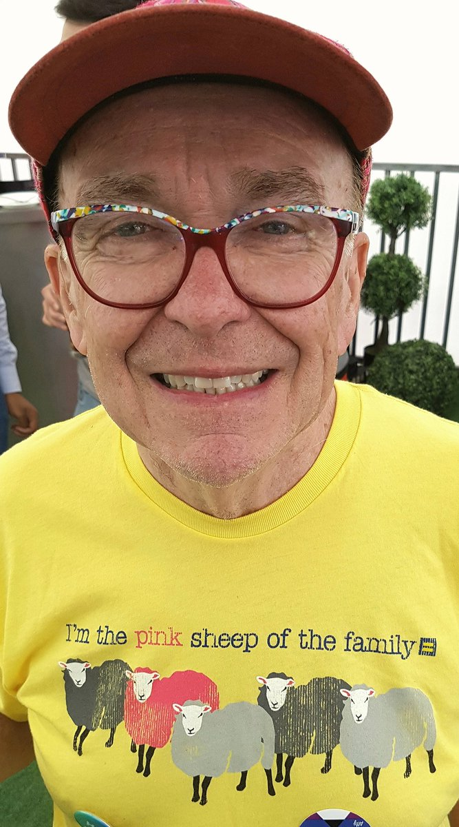 Longtime #YEG community advocate Michael Phair sports the best shirt on the #KDays #Midway #PrideDay #YegPride His school opens in September <br>http://pic.twitter.com/5B3ZkAl8Cu &ndash; bij K-Days South Stage