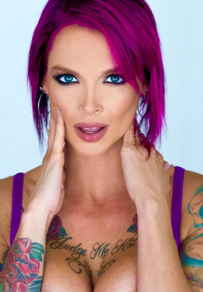 Jasmine Summers Nude Photos