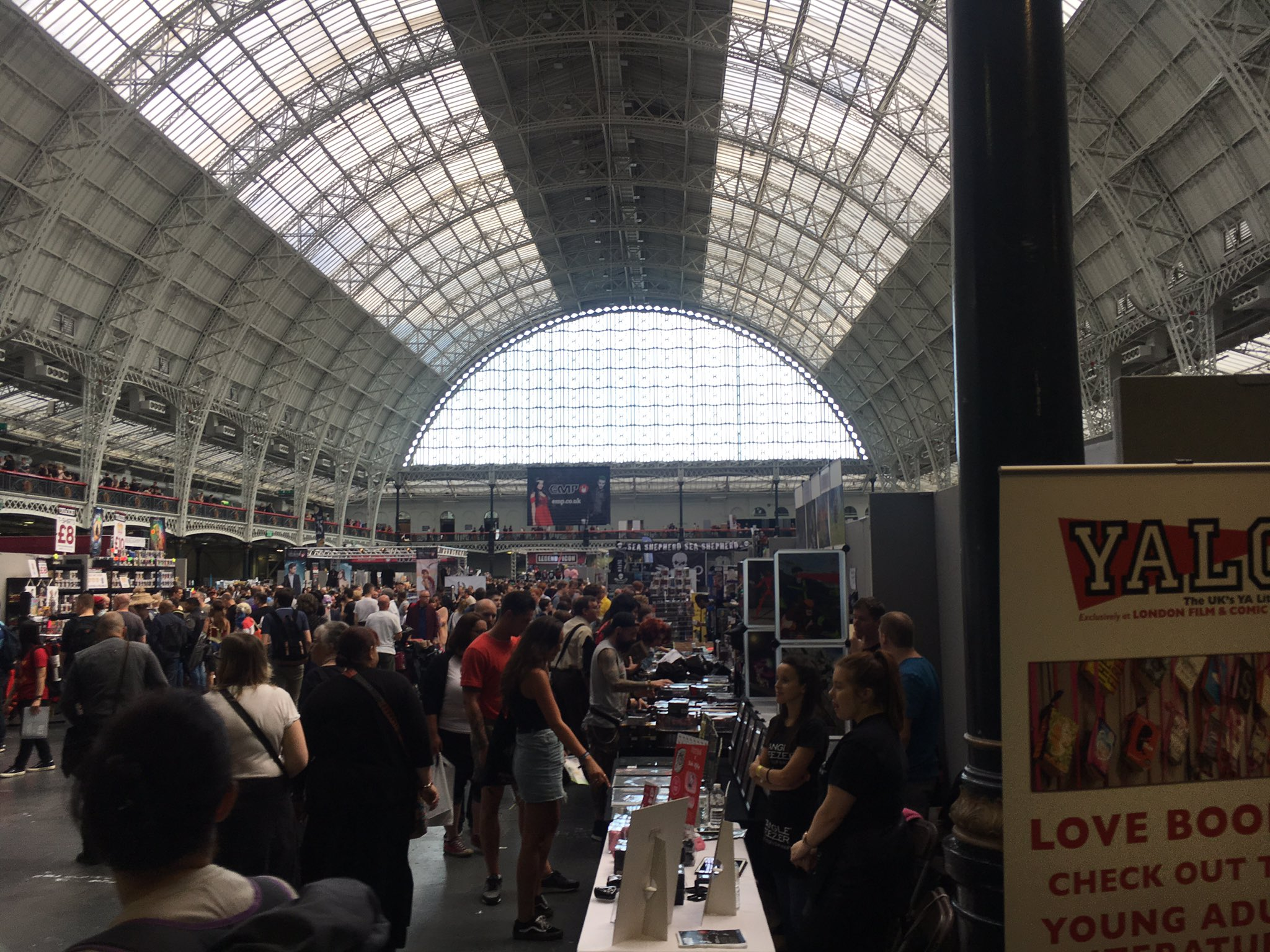 Getting my geek on at @Showmasters Comic Con with @ThatGregCosta and the boys https://t.co/UIC07TDss6