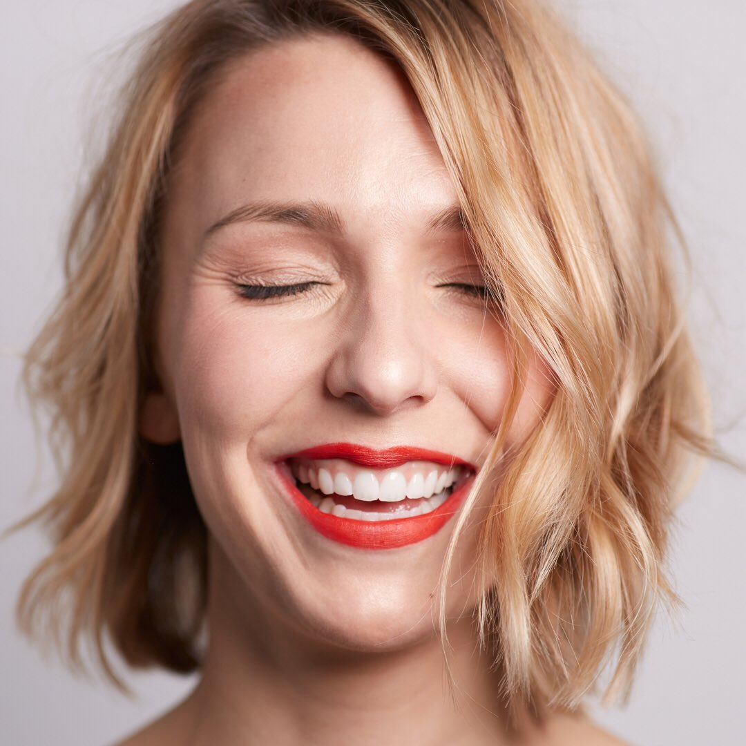 That new lipstick feeling 😁💋💄 Happy #NationalLipstickDay! Retweet for a chance to win a prize from us!  #BravePretty