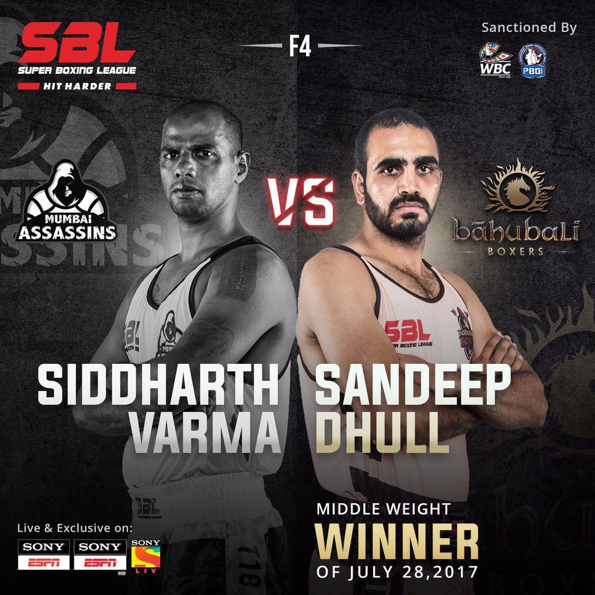 #SandeepDhull brings the second win for @BahubaliBoxers  🥊 #SBLMumbaiVSBahubali #SBL #HitHarder