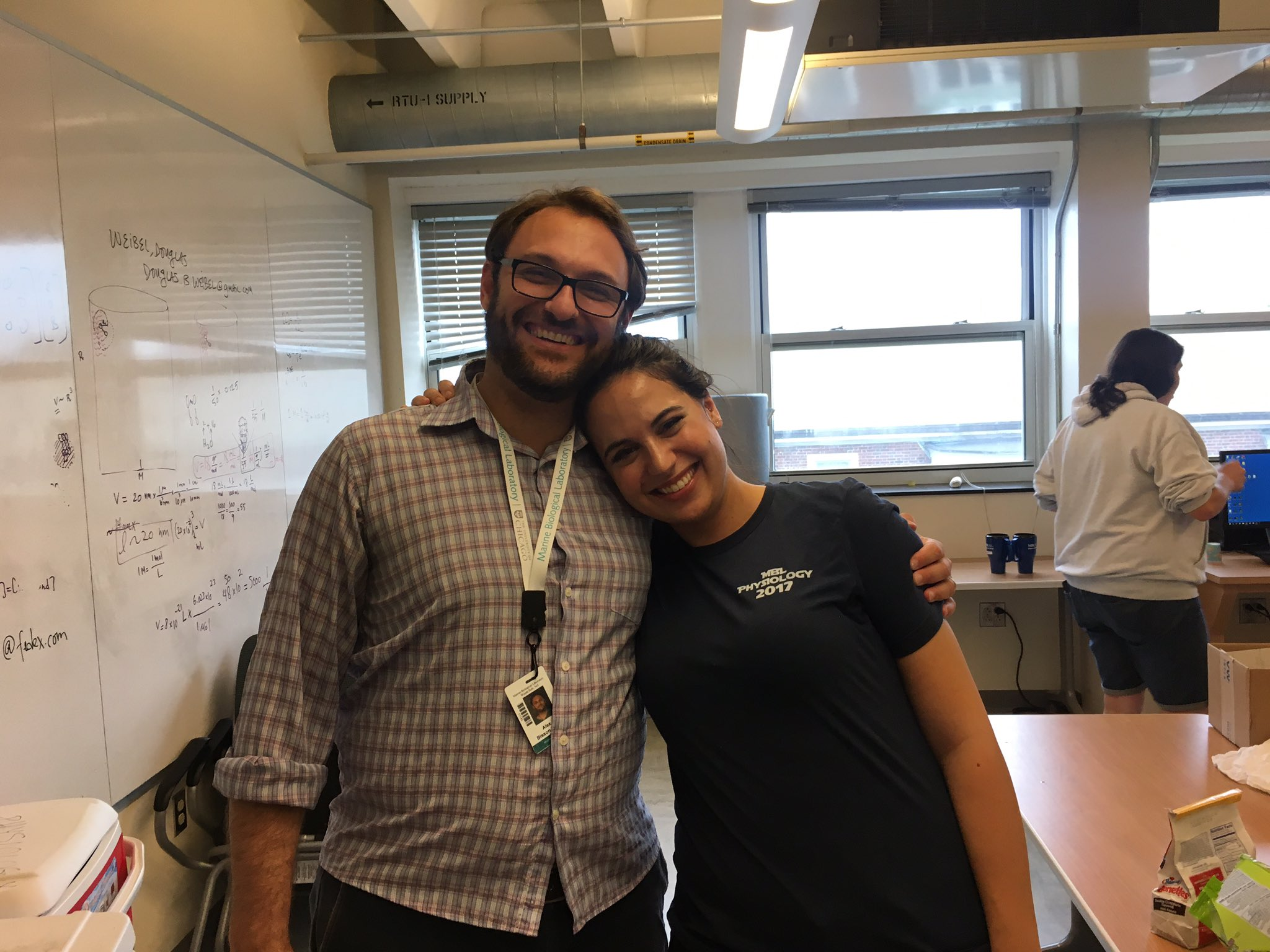 Had such a fun 2 weeks doing crazy archaeal cell biology with world expert @Alego_Bisson for the final rotation of @MBLScience #physio2017 https://t.co/navoHDGrYr