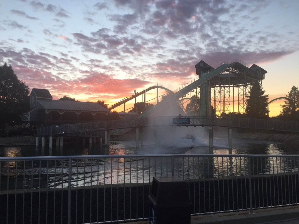 Two Great Parks For The Price of One | Amusement Park in PA | Dorney
