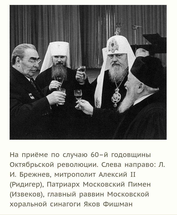 muzhik-v-maske-daet-v-rot