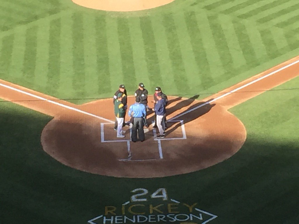 Sonny Gray bringing out lineup card for #Athletics https://t.co/ZDP8QXPXIU