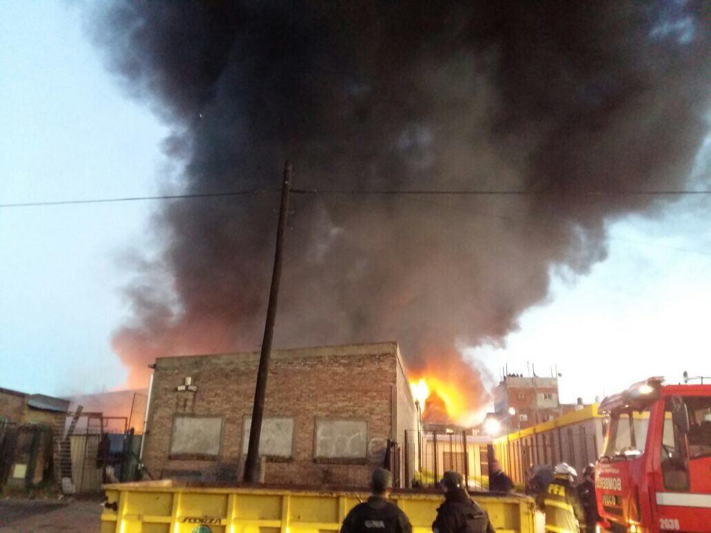 Thumbnail for Incendio en una planta de reciclaje de Soldati
