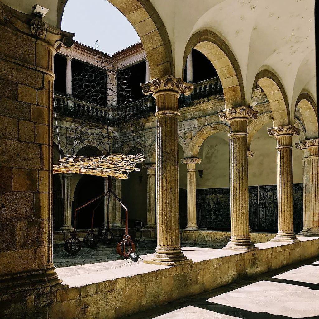 Domination - #viseu #portugal . . . . #jardinsefemeros2017 #art #arte #architecture #arquitetura  #igers_viseu #ig…  http:// ift.tt/2vwNbBs  &nbsp;  <br>http://pic.twitter.com/ti84pNGn0q