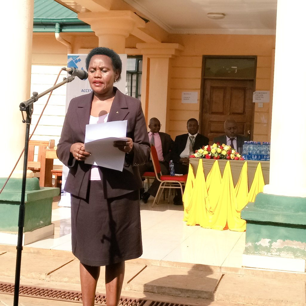 Presiding Judge Githua addressing the public at Eldoret High Court on #ElectionPreparedness by the judiciary @EmmaMogaka @UraiaTrust<br>http://pic.twitter.com/Lb09EgGnhp