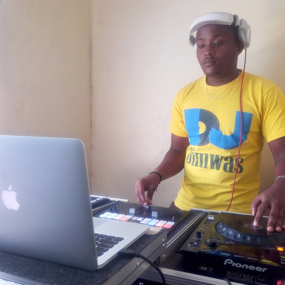 Everyday is a good day to practice!.. #croonersoundsdjacademy  #djlife #TMC  #GainWithXtianDela<br>http://pic.twitter.com/KbpUbqoJWk