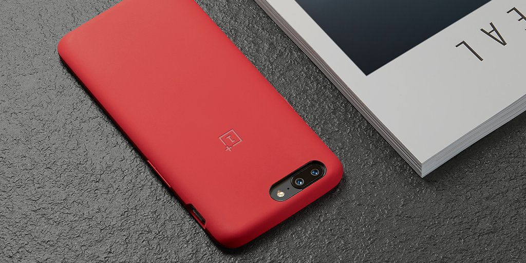 """brand new 3f0c0 b1fbe OnePlus ar Twitter: """"Dat red doe 😍 Cop our #OnePlus5 Silicone ..."""