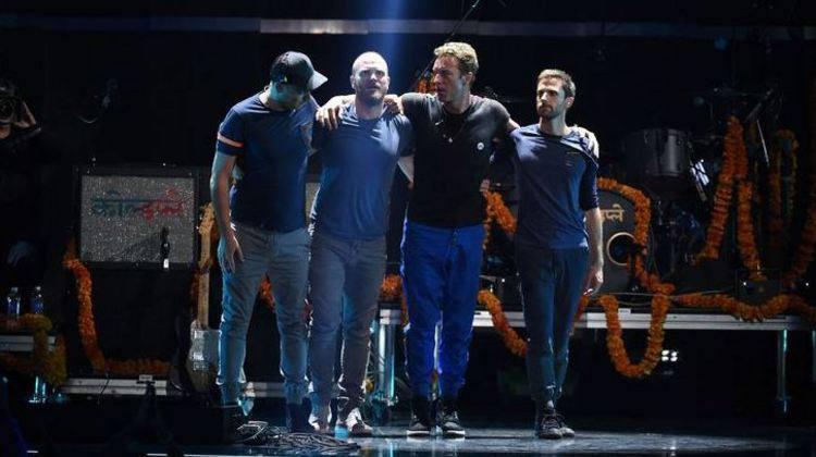 #Coldplay celebra imigrantes americanos em novo clipe https://t.co/XVBAUmnrnK