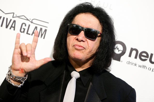 Gene Simmons Seeks to Register Trademark for &#39;Rock Hand Gesture&#39;  http://www. billboard.com/articles/busin ess/7832912/gene-simmons-devil-hand-gesture-trademark-kiss &nbsp; …  What a douchebag! #copywrongs #patents <br>http://pic.twitter.com/gXd7hNjF88