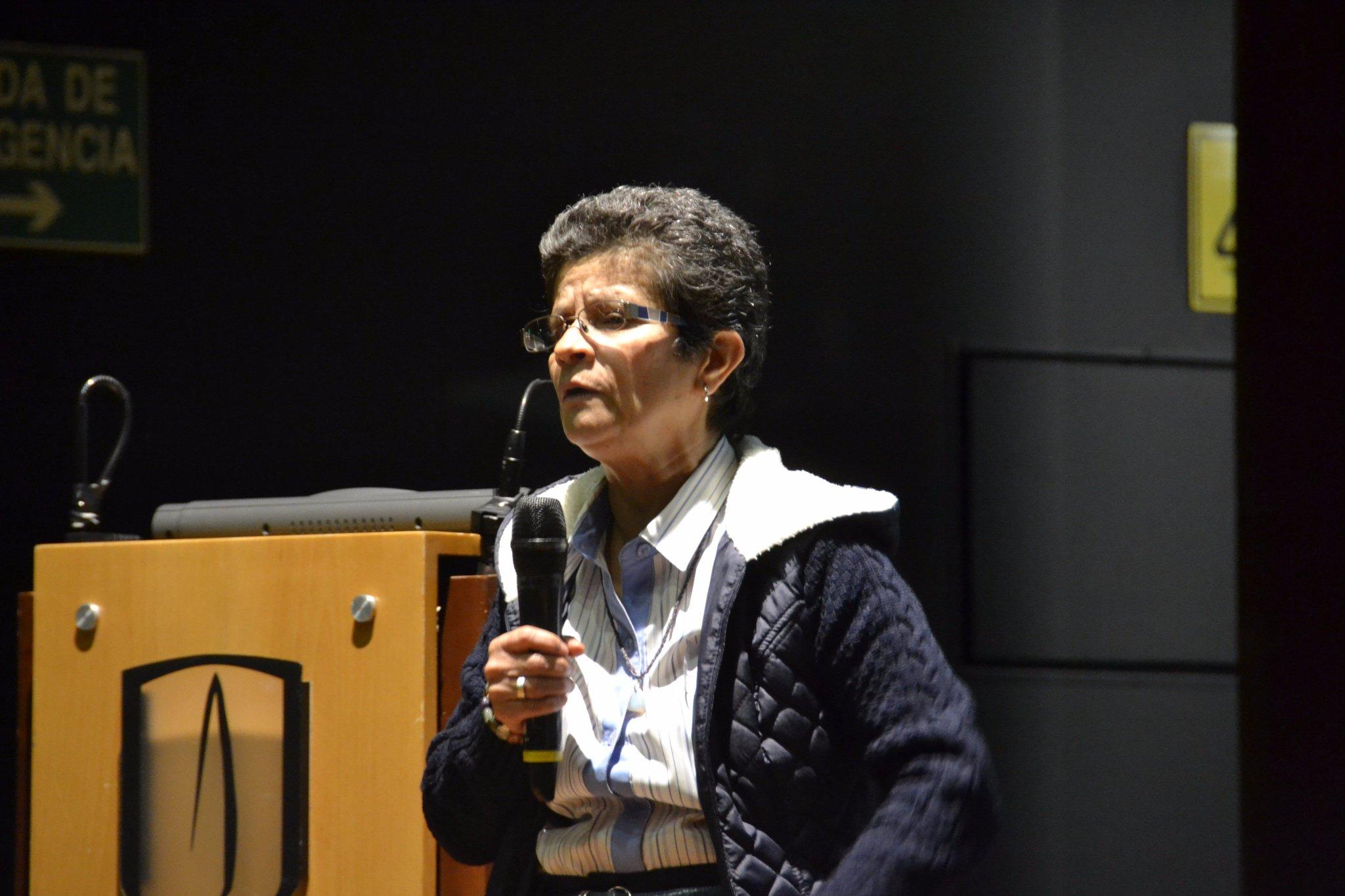 Interviene Clemencia Martínez, profesora de @UAmerica_edu Simposio #CrecimientoVerde #EnVivo: https://t.co/FHxrSkTWeg https://t.co/xMsg6VUYl6