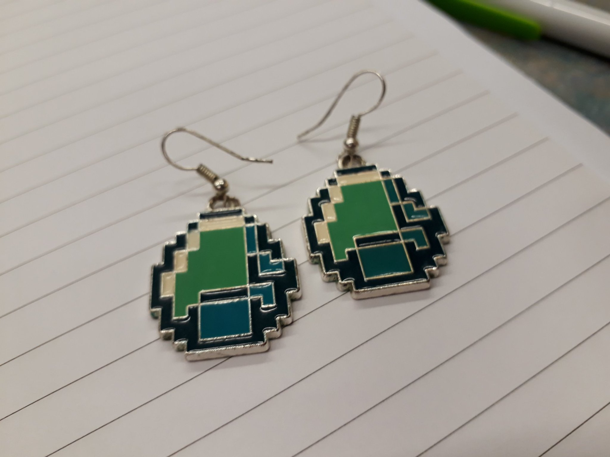 Rocking my favourite diamond earrings as I get ready to mine for more gems here at the last day of #slanza17 https://t.co/0l9QUJktAS