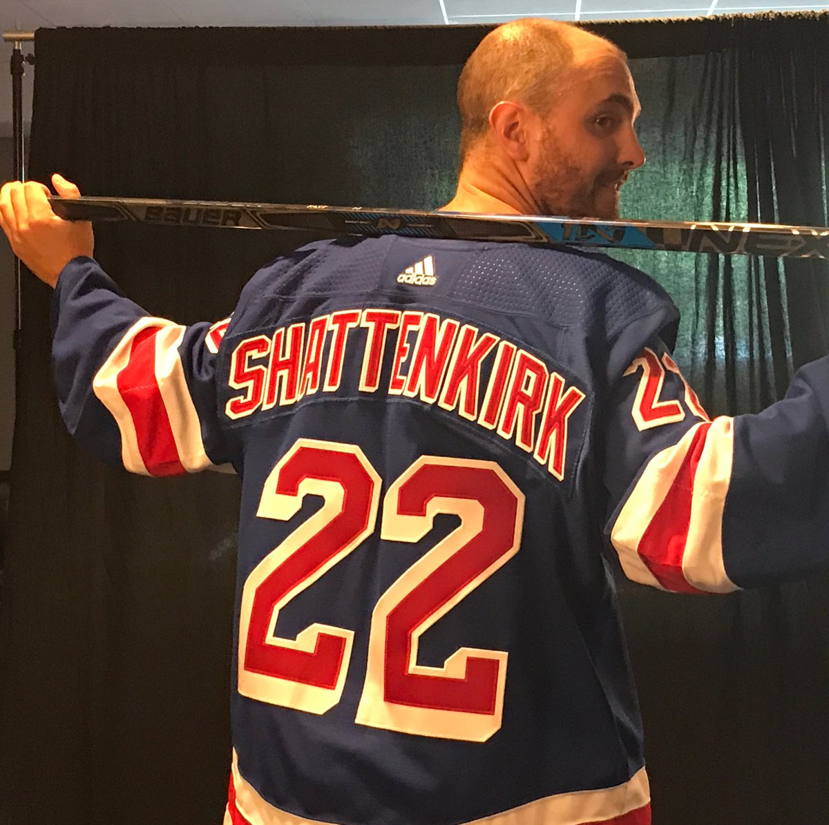 OFFICIAL: @shattdeuces will wear 2️⃣2️⃣ with #NYR! https://t.co/6iFkbM...